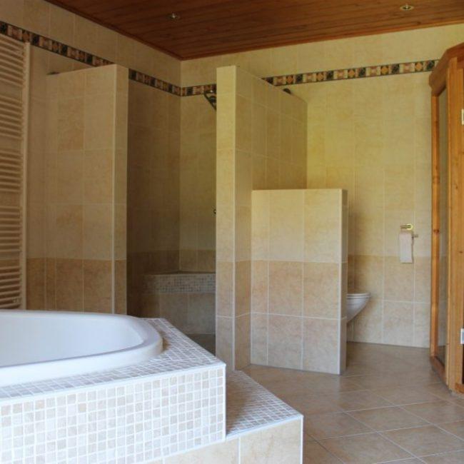 Villa tulp badkamer