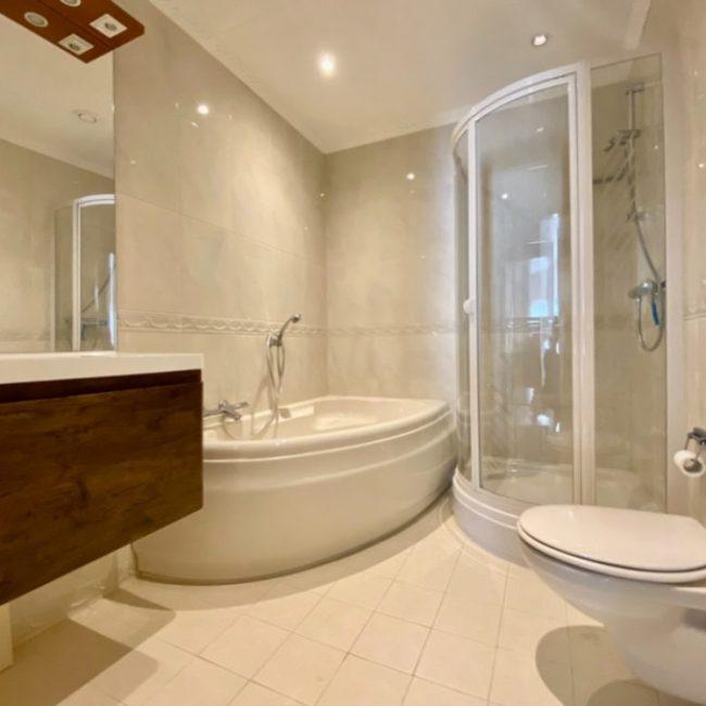 Villa Springtij badkamer