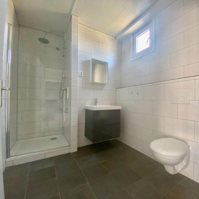 Strandhut badkamer
